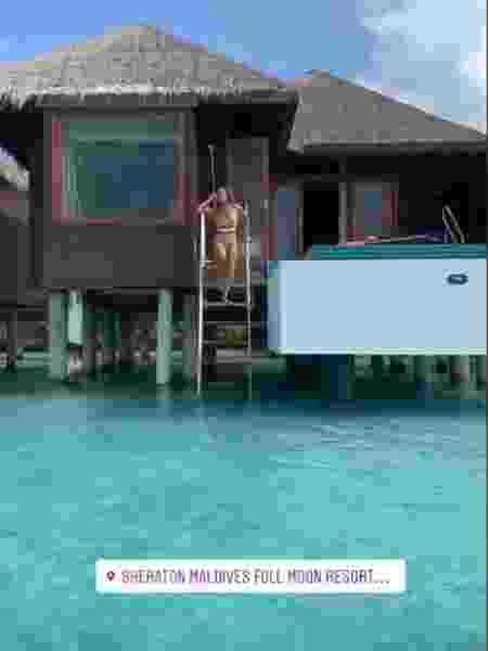 Nicole Bahls e Marcelo Bimbi estão hospedados em um bangalô aquático com acesso direto ao mar - Reprodução/Instagram - Reprodução/Instagram