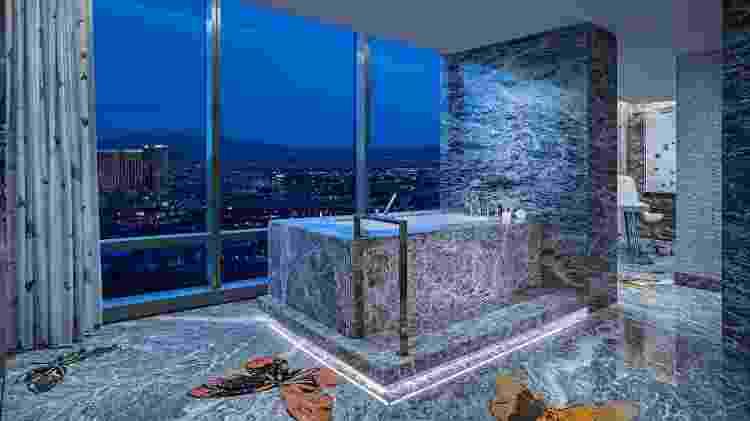 O banheiro da Empathy Suite oferece vista panorâmica para Las Vegas - Divulgação/Palms Casino Resort - Divulgação/Palms Casino Resort