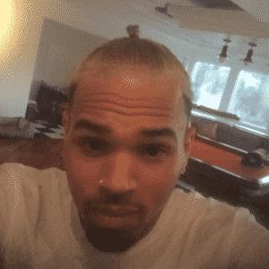 Chris Brown ignora alerta de piloto, acende cigarro de maconha e e é expulso com sua comitiva de jatinho particular - Reprodução/Instagram/chrisbrownofficial