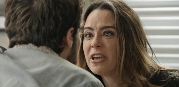 Giovanni (Jayme Matarazzo) tenta se explicar com Bruna (Fernanda Vasconcellos), mas ela perde o controle - Reprodução/GShow