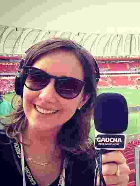 Frequentadora de estádio desde criança por conta a mãe, Renata de Medeiros decidiu que queria ser jornalista esportiva aos 12 anos - Reprodução/FacebookRenatadeMedeiros - Reprodução/FacebookRenatadeMedeiros