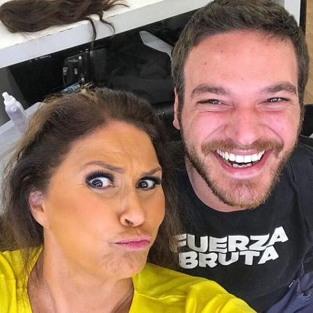 """Fafá de Belém e Emílio Dantas nos bastidores de """"A Força do Querer"""" - Reprodução/Instagram"""