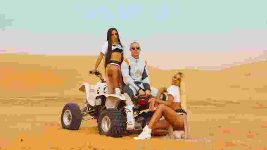 """Anitta, Diplo e Pabllo Vittar em cena do clipe de """"Sua Cara"""", gravado no Marrocos - Reprodução"""