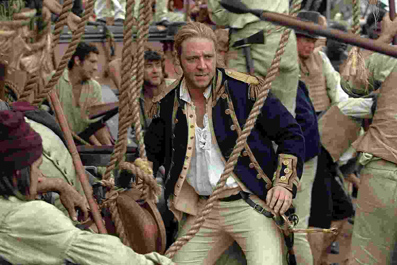 """Russell Crowe em cena de """"Mestre dos Mares: O Lado Mais Distante do Mundo"""" (2003) - Divulgação"""