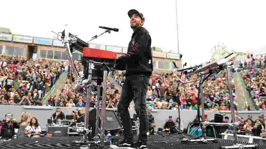 Mike Shinoda se apresenta no festival KROQ Weenie Roast, nos EUA - Christopher Polk/Getty Images