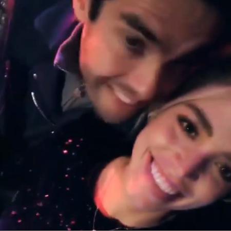 Kaká e noiva acompanham show de Anitta direto do palco - Reprodução/Instagram/icaroldias