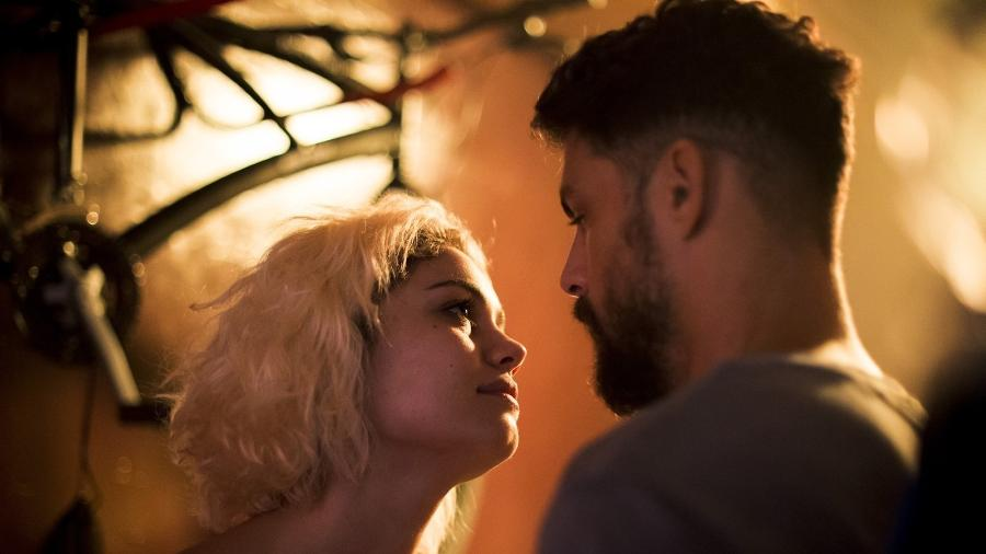 """Sophie Charlotte e Cauã Reymond em cena de """"Ilha de Ferro"""", do Globoplay - Reprodução/Globoplay"""