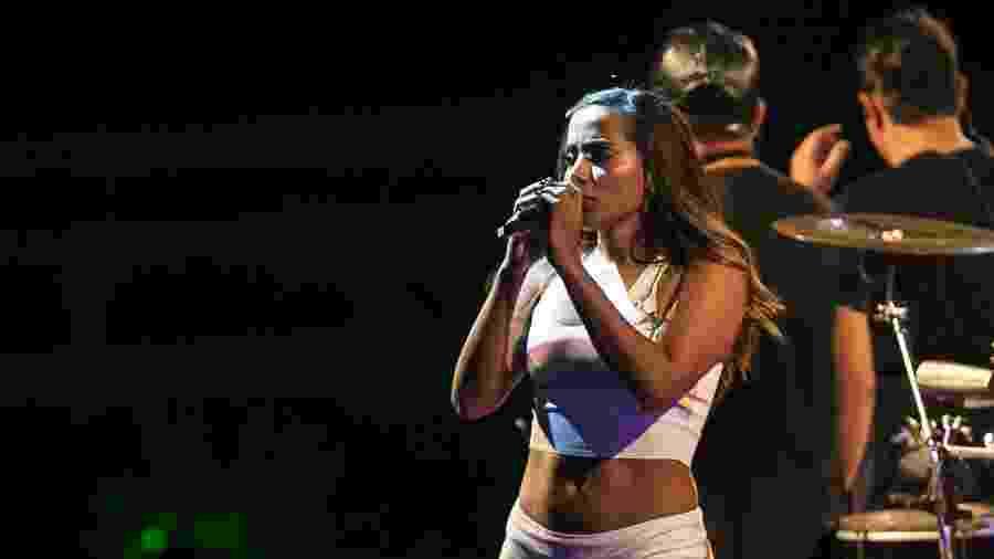 Anitta comandou o primeiro ensaio do Bloco das Poderosas e anunciou o namoro com Ronan Carvalho - Bruna Prado/UOL