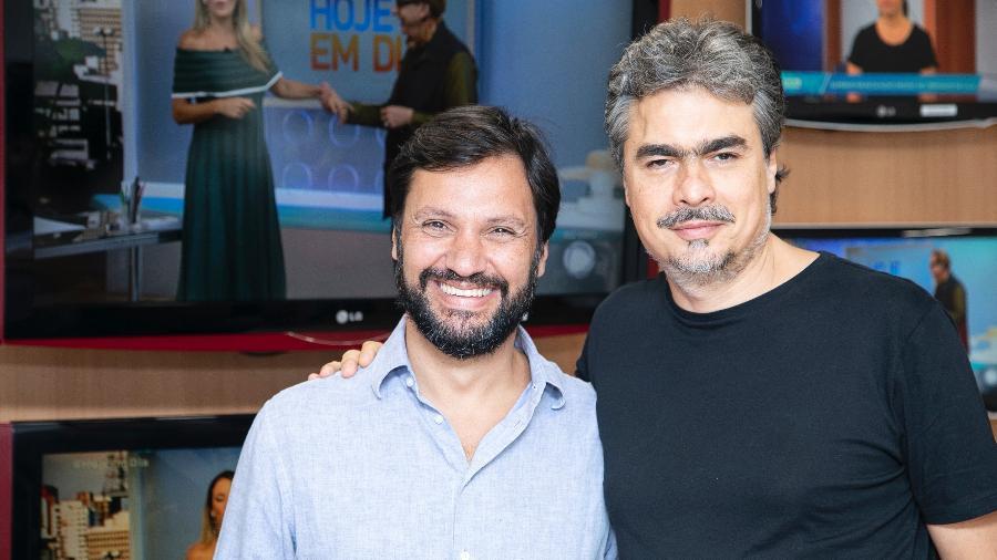 Antonio Guerreiro e Rogério Gallo no momento da assinatura do contrato - Edu Moraes/RecordTV