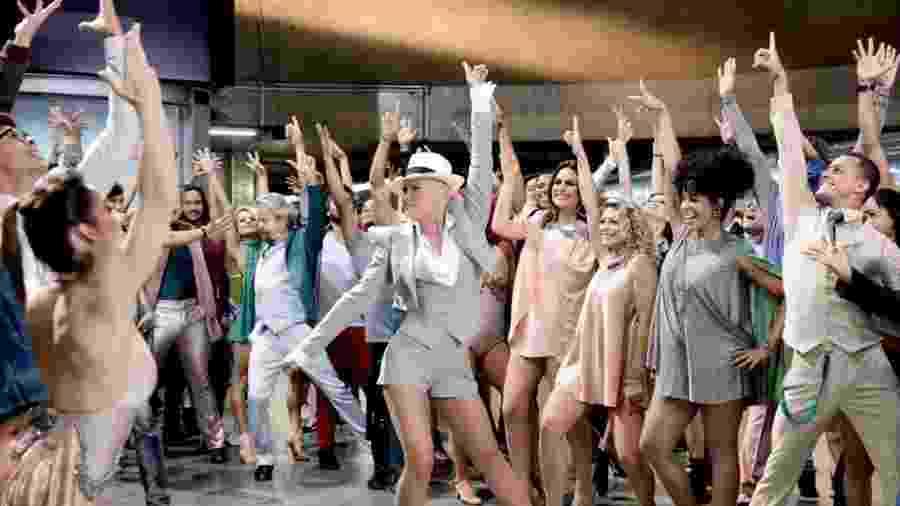 Xuxa grava abertura de programa no metrô de São Paulo - Divulgação