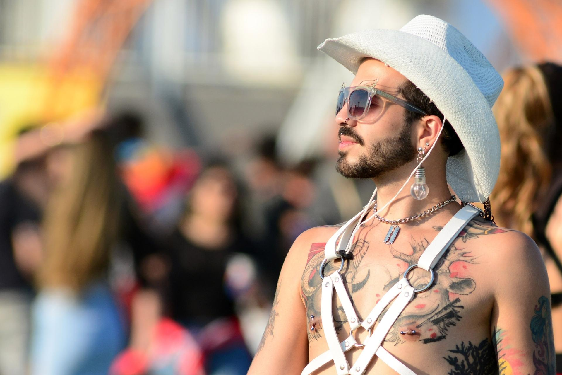 Cantor Todo Tatuado Brasileiro fotos: veja tatuagens exibidas pelos fãs no rock in rio - 03