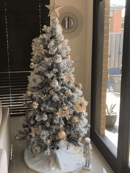 Árvore de natal montada pelas irmãs - Reprodução/Instagram/veronikaa__p/