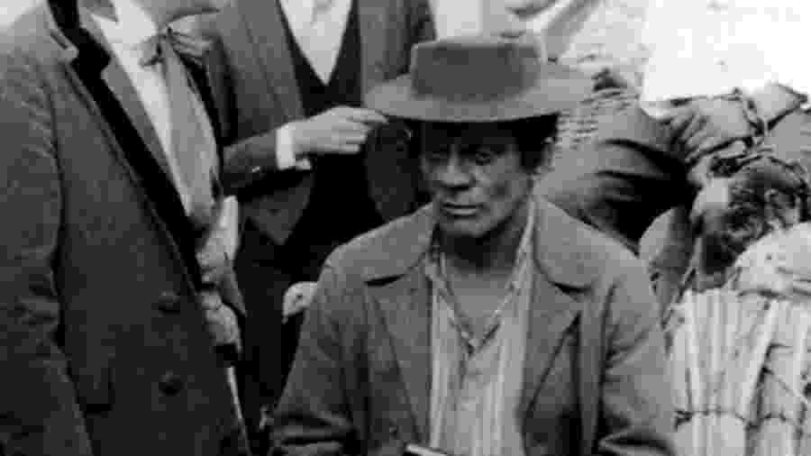 """Ségio Cardoso, um ator branco, pintou o rosto de negro para fazer a novela """"A Cabana do Pai Tomás"""" - Acervo/Globo"""