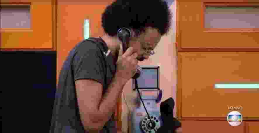 BBB 21: João atende o Big Fone - Reprodução/Globoplay