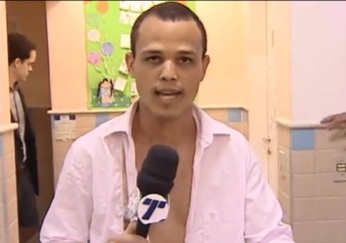 28.ago.2015 - Repórter da TV Tribuna é agredido por homem no ES