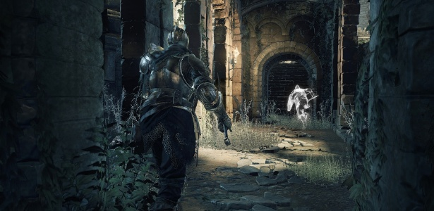 """""""Dark Souls III"""" manteve a dificuldade de seus antecessores, mas passa longe de ser impossível se encarado com cautela e planejamento - Divulgação"""