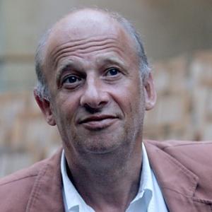 O diretor de teatro Luc Bondy, em 2004 - AFP