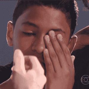 """10.jan.2015 - Ao todo, quinze participantes, com idades que variam entre 9 e 15 anos, se apresentaram no """"The Voice Kids"""" deste domingo. Vindos de diversas regiões do País, os aspirantes ao estrelato da música nacional, cantaram música sertaneja, pop, MPB, em português ou inglês - Reprodução/TV Globo"""