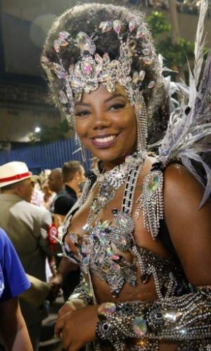 8.jan.2016 - A funkeira Ludmilla na concentração do desfile do Salgueiro na noite de segunda-feira