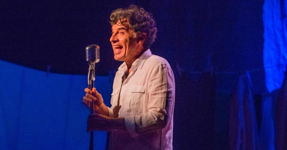 Paulo Betti comemora seus 40 anos de carreira com o stand-up
