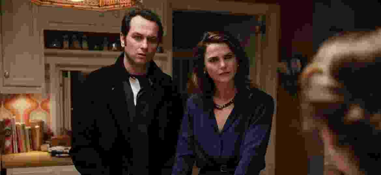 "Philip (Matthew Rhys) e Elizabeth Jennings (Keri Russell) em cena de ""The Americans"" - Reprodução"