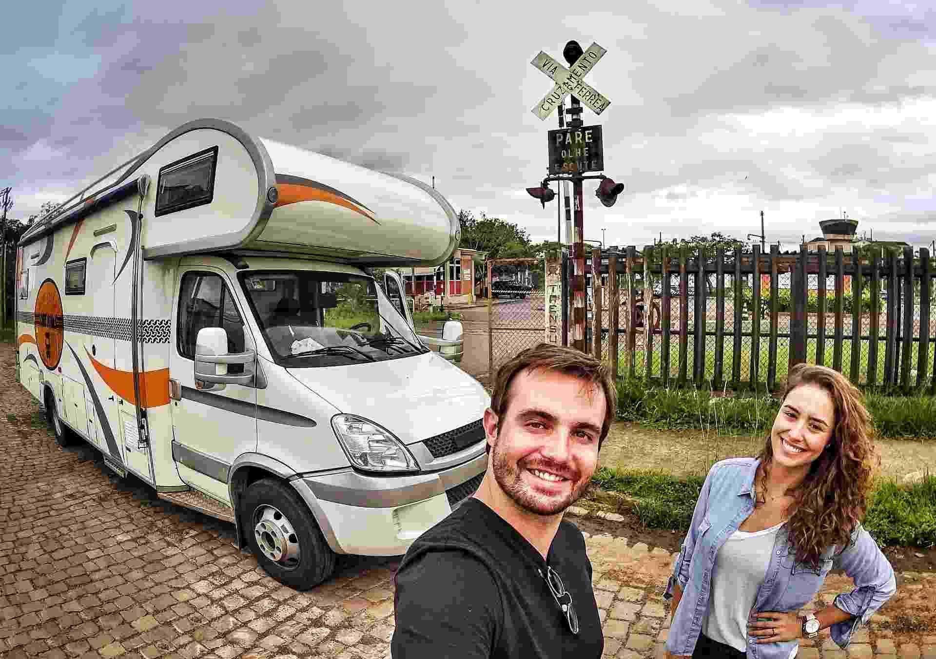 Os atores Max Fercondini e Amanda Richter viajaram pela América do Sul em um motorhome - Divulgação/TV Globo