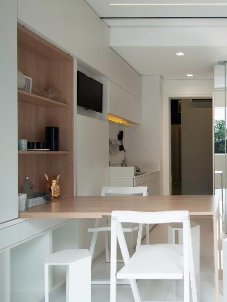 Para quem mora em casa pequena, a falta de espaço é sempre um problema e escolher uma mesa é difícil - Raphael Briest/Divulgação