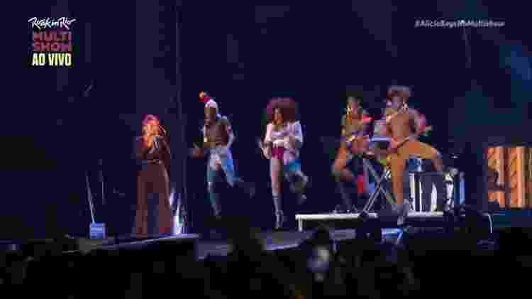 Dream Team do Passinho dá sarrada no ar durante show de Alicia Keys no Rock in Rio 2017 - Reprodução/Multishow