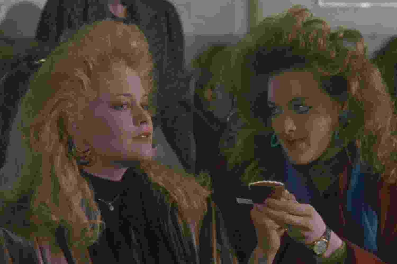 """Joan Cusack e Melanie Griffith em """"Uma Secretária do Futuro"""" (1988) - Divulgação"""
