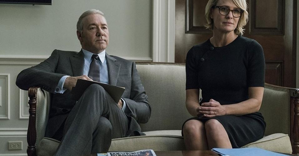 "Kevin Spacey e Robin Wright em cena na série ""House of Cards"" (2013)"