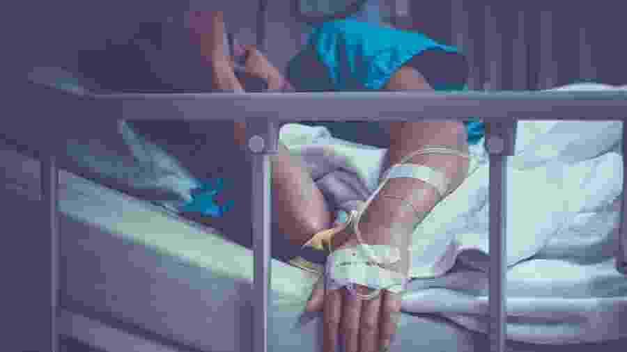 Ter acesso a medicamentos contra dor faz parte dos cuidados paliativos, aqueles que melhoram a vida de pacientes que geralmente estão na fase final da vida - manop1984/IStock