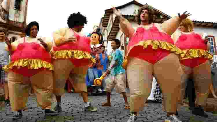 Foliões fantasiados no Carnaval de Ouro Preto - Marcus Desimoni/UOL - Marcus Desimoni/UOL