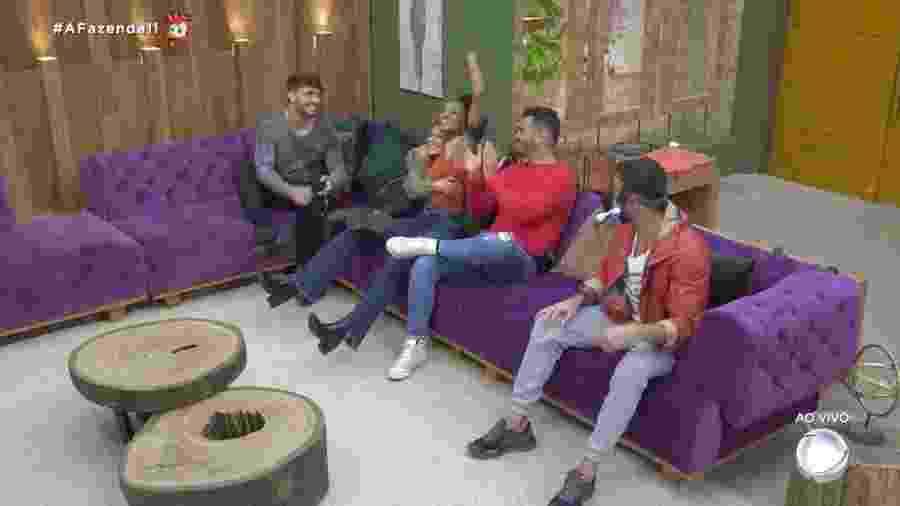"""Os cinco últimos participantes da """"Fazenda 11"""": Lucas, Hariany, Sabrina, Rodrigo e Diego - Reprodução/RecordTV"""