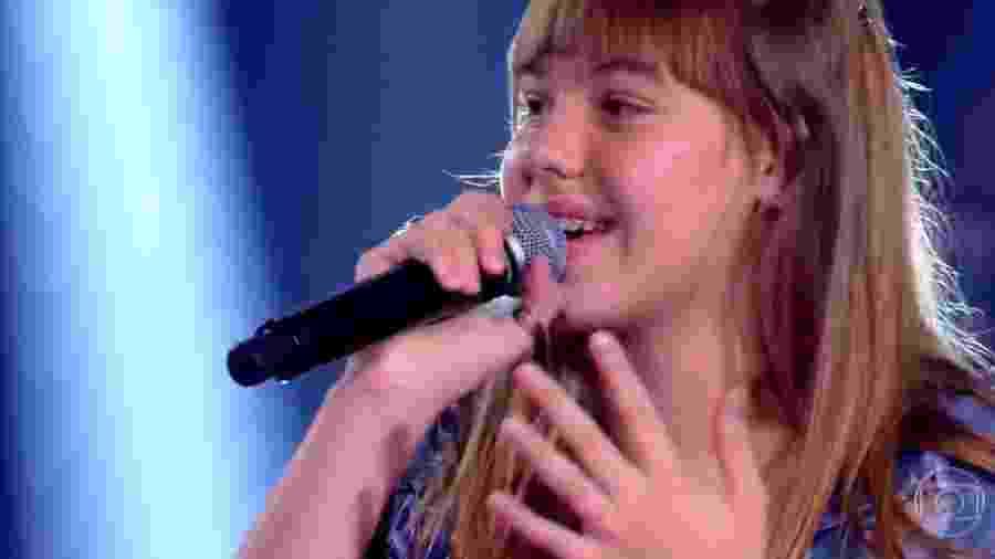 23.fev.2020 - Giovana Aguilera no The Voice Kids Brasil - Reprodução / TV Globo