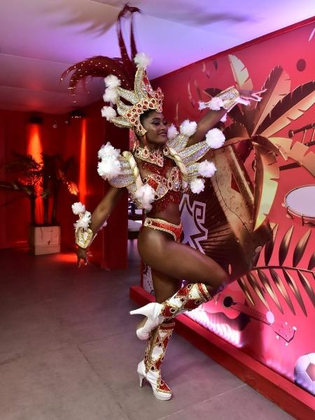 Érika Januza coloca de novo a fantasia para desfilar com o Salgueiro no desfile das campeãs - Roberto Teixeira/Divulgação