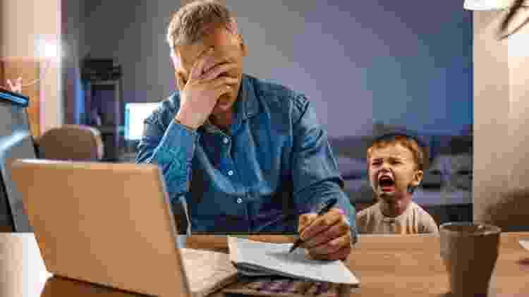 pai, filho, raiva - iStock - iStock