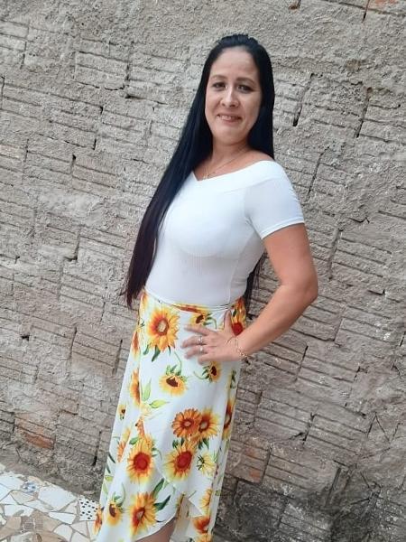 A dona de casa Cinara Bastos, que passou por uma laqueadura sem o seu consentimento - Arquivo pessoal