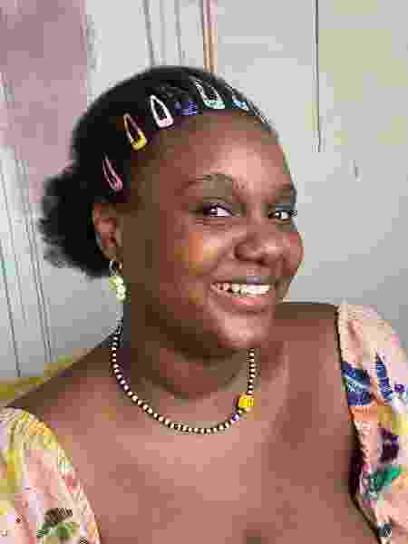 afro com presilha 7 - Déborah Moreno - Déborah Moreno