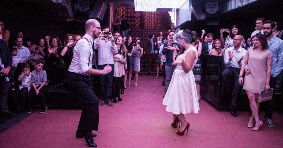 Casamento na balada Hot Hot Catarina e Cauã