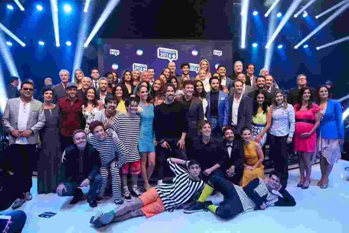 29.fev.2016 - Record reuniu time de atores e apresentadores em sua sede em São Paulo para anunciar novidades da programação de 2016 - Manuela Scarpa/Brazil News