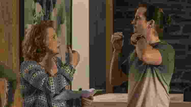 """Ana Beatriz Nogueira e Vladimir Brichta repassam texto nos bastidores de """"Rock Story"""" - João Cotta/Divulgação/TV Globo - João Cotta/Divulgação/TV Globo"""