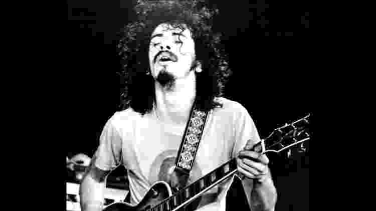 O guitarrista Santana - Reprodução - Reprodução