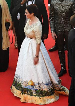O vestido da ministra da Cultura e Esporte Miri Regev causou polêmica nas redes sociais