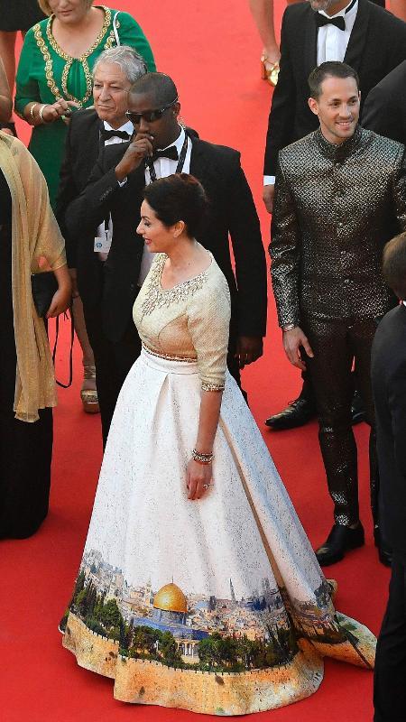 O vestido da ministra da Cultura e Esporte Miri Regev causou polêmica nas redes sociais - Antonin Thuillier/AFP
