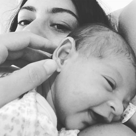 Carol Castro com a filha, Nina - Reprodução/Instagram