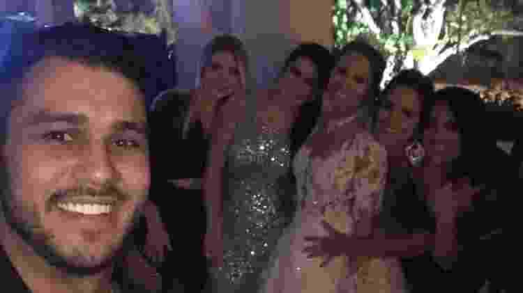 Thais Lima cercada por amigas no casamento - Reprodução/Instagram - Reprodução/Instagram
