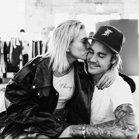 Justin Bieber ganha beijo da noiva, Hailey Baldwin - Reprodução/Instagram/justinbieber
