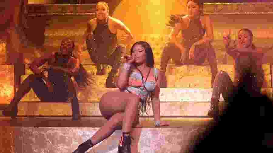 Nicki Minaj durante show no Brasil - cantora disse que publicação sobre aposentadoria foi um mal entendido - AgNews