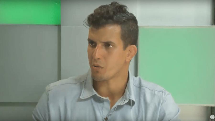 Felipe Sertanejo participa da live da RecordTV - Reprodução/PlayPlus