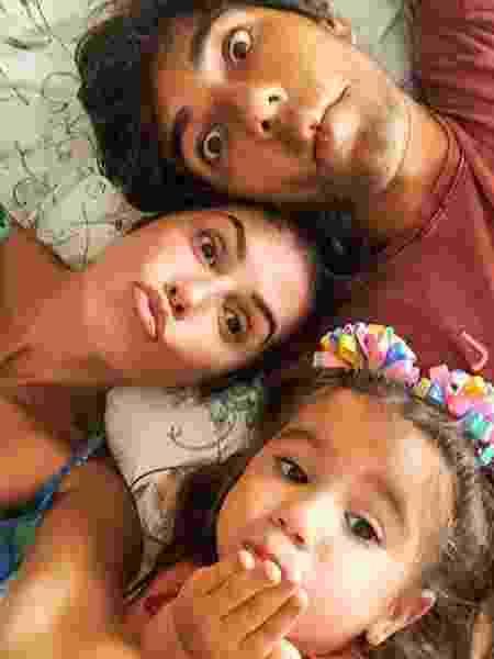 Hugo Moura, Deborah Secco e Maria Flor - Reprodução/Instagram